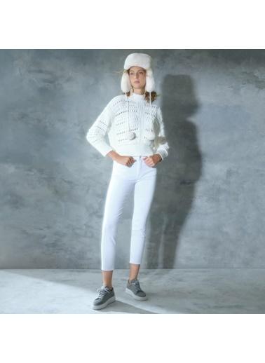 Yargıcı Pantolon Beyaz